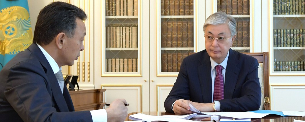 "Kassym-Jomart Tokayev receives Sauat Mynbayev, Chairman of the Board of ""Kazakhstan Temir Zholy"" National Company"