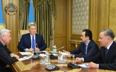 Сonsultations with Chairman of the Mazhilis of Parliament Kabibulla Dzhakupov and Prime Minister Karim Massimov with the participation of Head of the Presidential Executive Office Nurlan Nigmatulin