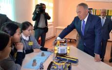 Мемлекет басшысы Астанадағы №84 мектеп-лицейде болды
