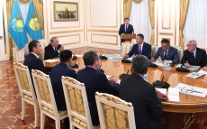 Meeting on Turkestan city's growth