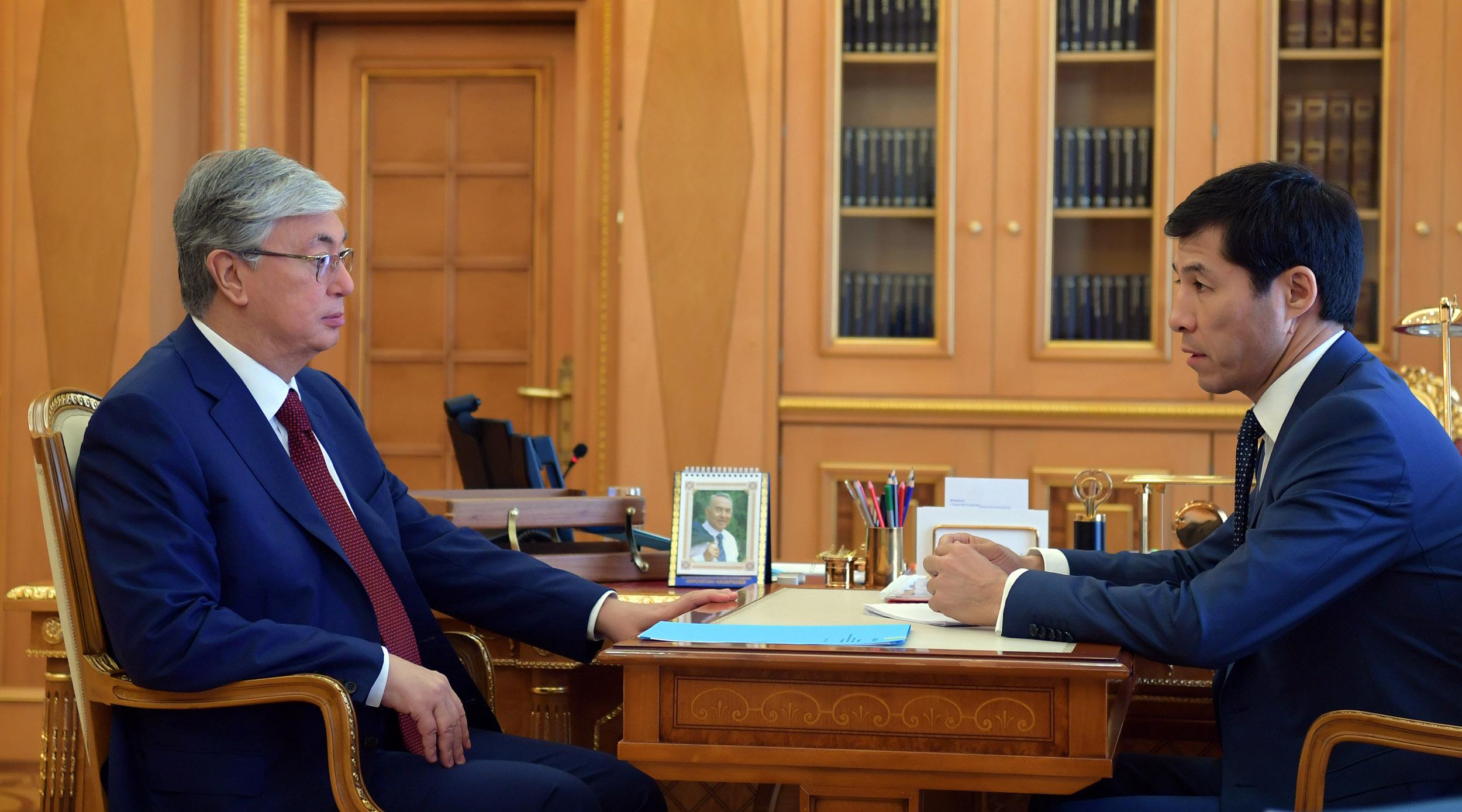Президент встретился с акимом ЗКО