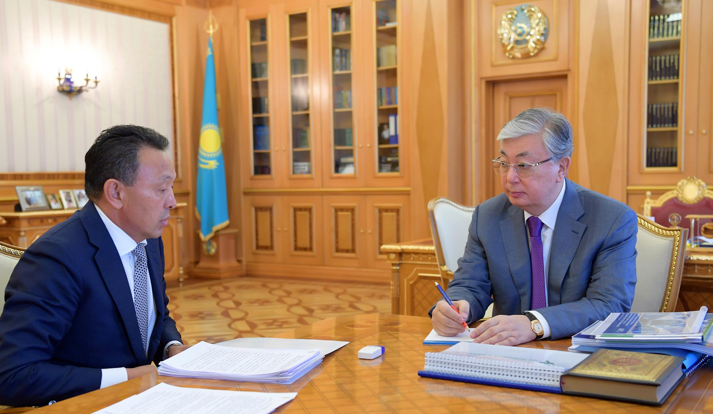 Токаев указал на необходимость улучшать качество перевозок на ж/д транспорте