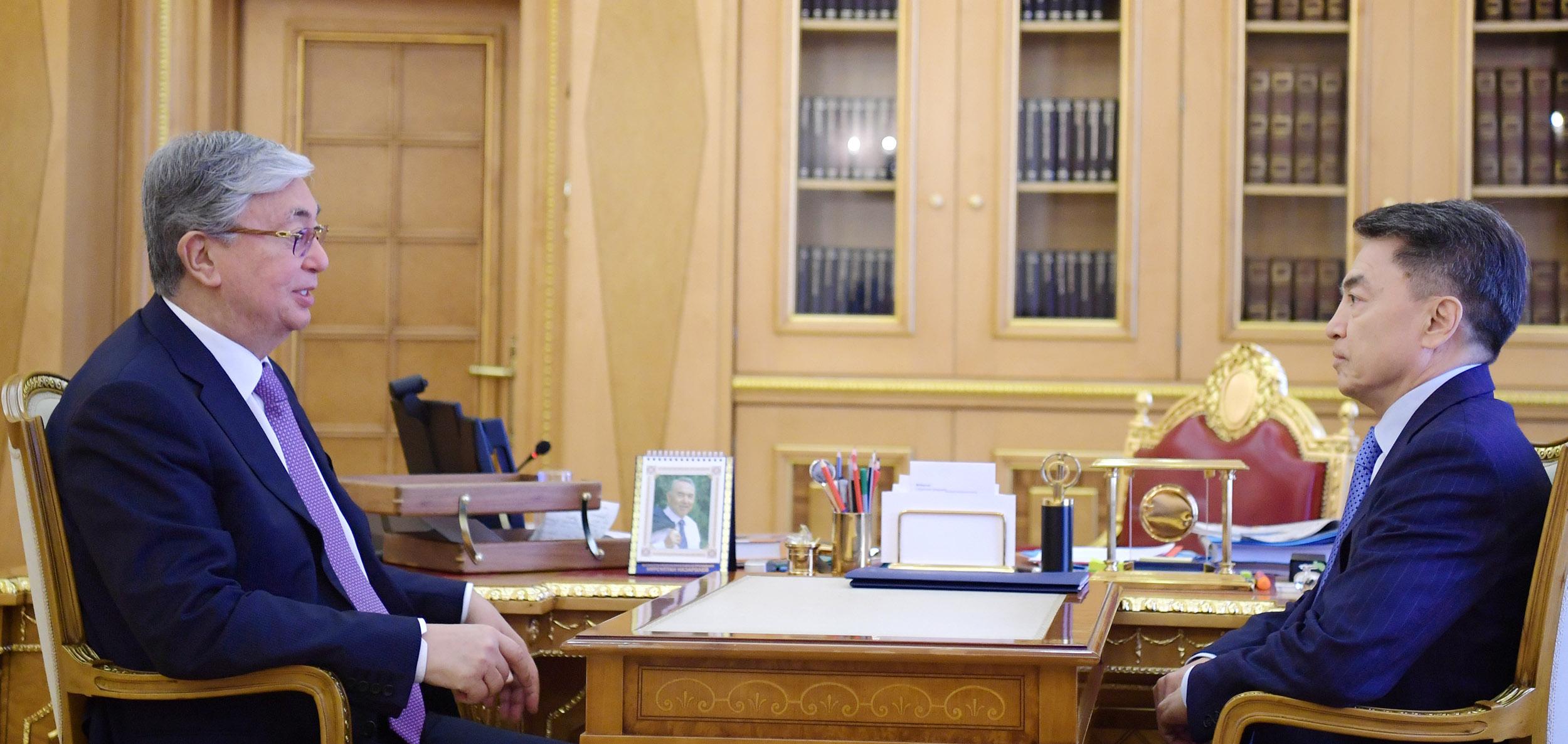 Токаев поручил усилить мониторинг защиты прав малоимущих