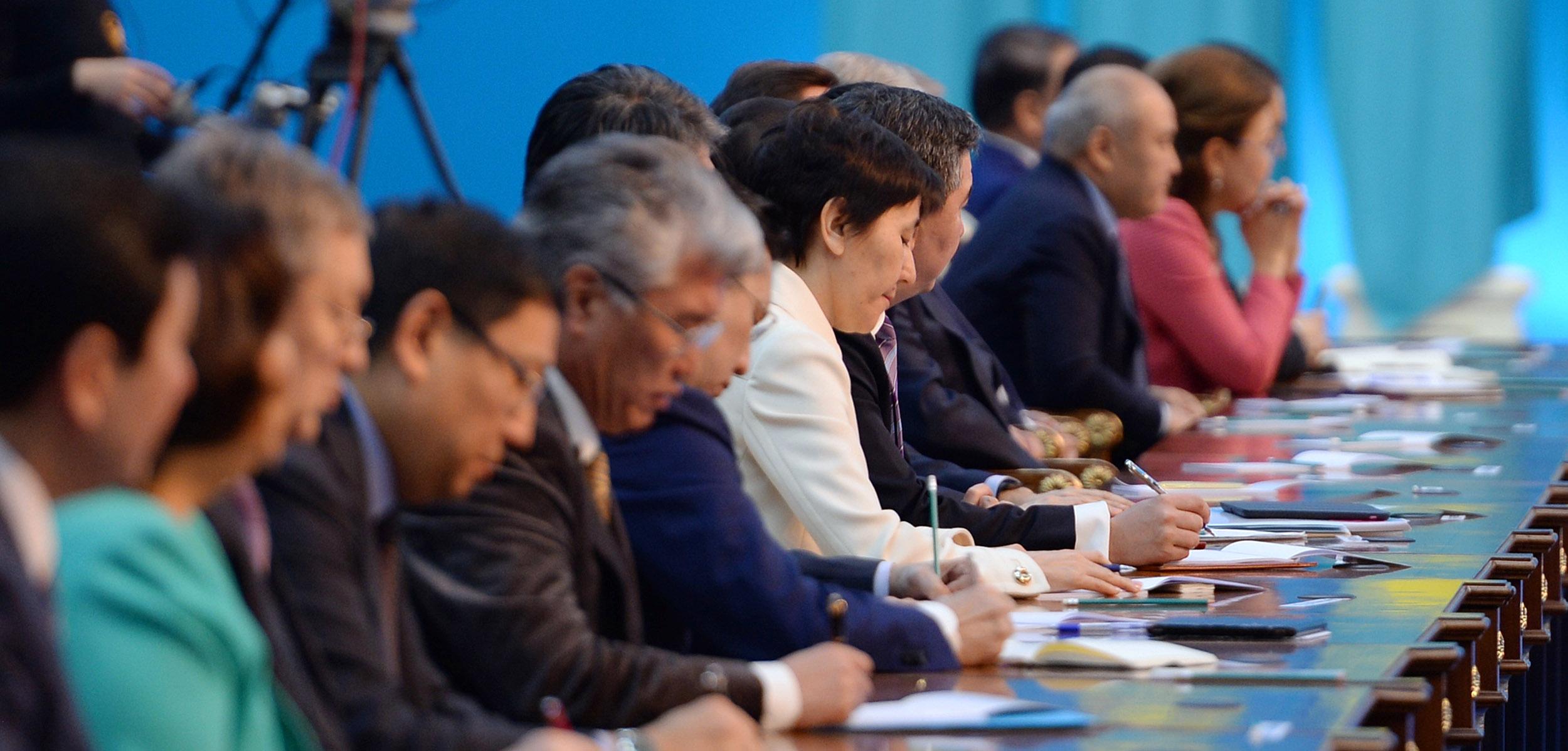 纳扎尔巴耶夫总统发表题为《全球新形势下的哈萨克斯坦:增长、改革、发展》的国情咨文(全文)