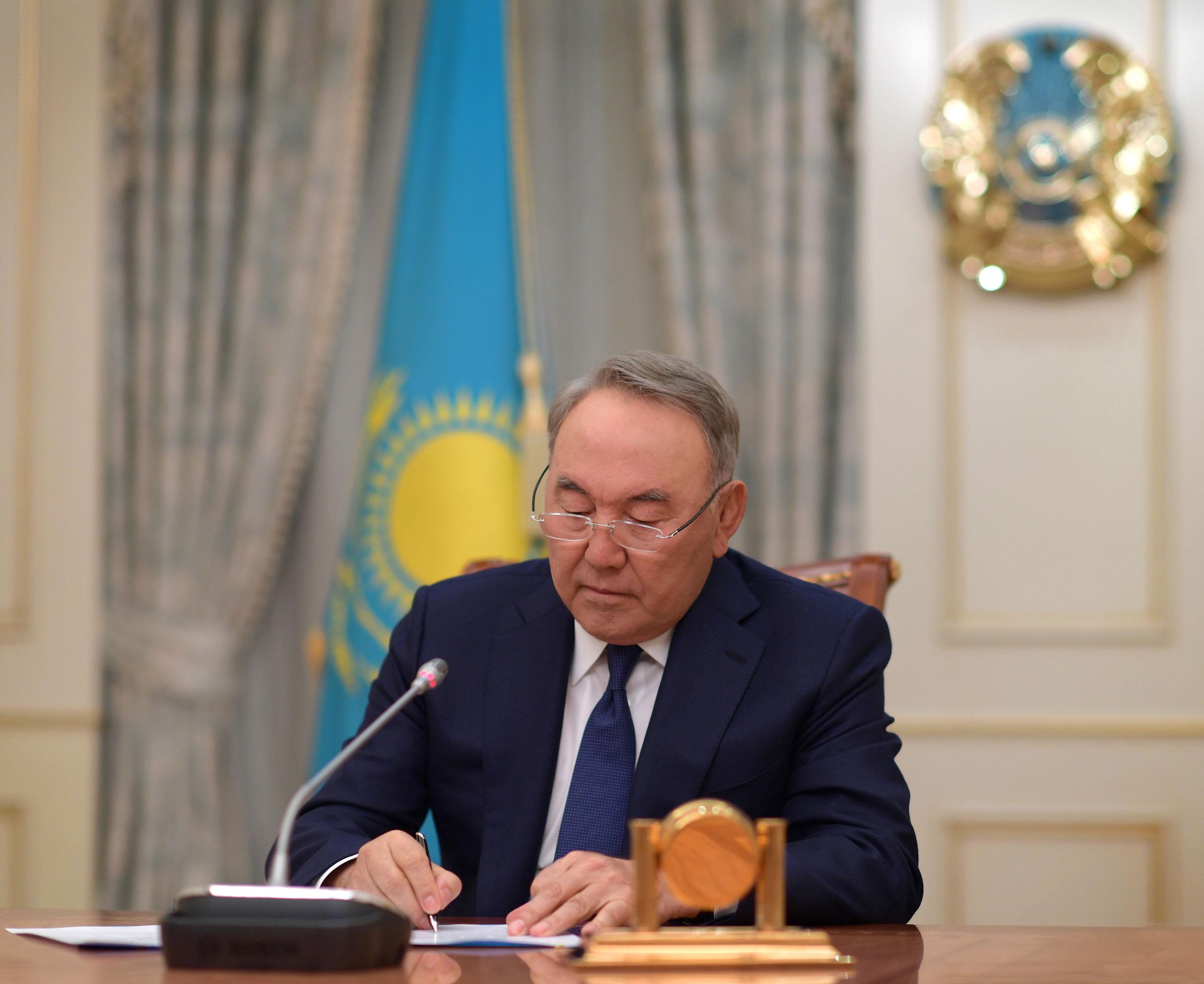 Нурсултан Назарбаев объявил об отставке. Обращение к народу Казахстана