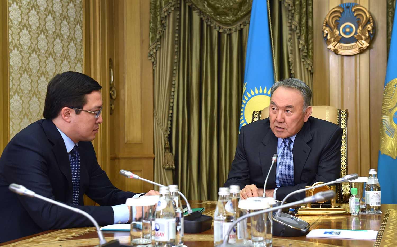 Назарбаев заявил, что, хранить средства в тенге выгоднее