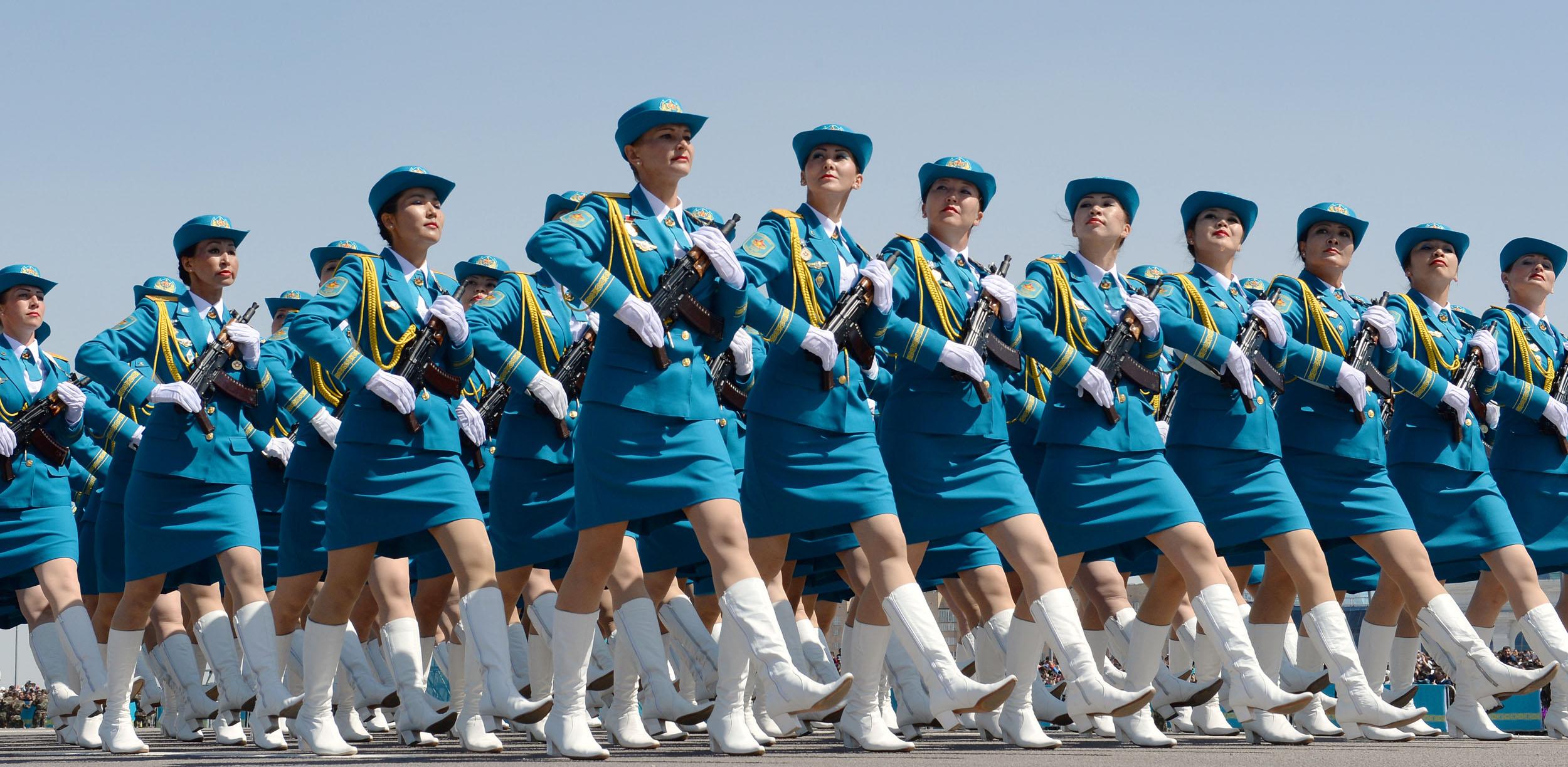 Картинки день отечества казахстана туристы найдут